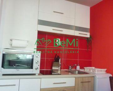 Na prenájom: pekný komplet zariadený 1 izbový byt-Banská Bystrica-Sásová (220-211-BB)