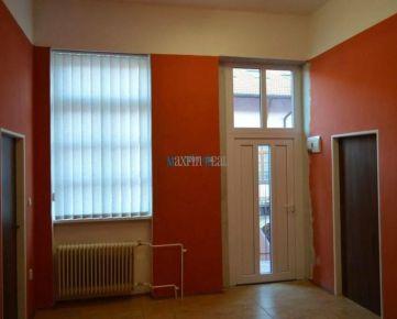 MAXFIN REAL -  Kancelária na Farskej. ul