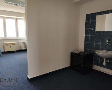 39m2 za 330.-€/ mesiac! Prenájom 2 miestnosti s umývadlom, predsieň, WC + parkov., Bulharská ul., BA II., Trnávka.