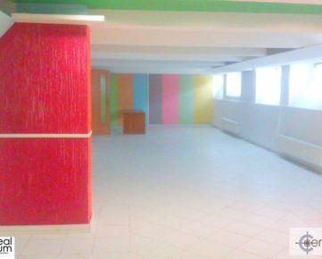 Obchodný priestor Trnava - Hospodárska ul.  90 m2 - zníž. prízemie