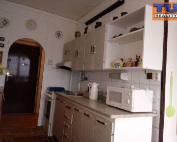 Na predaj veľmi pekný, zachovalý, 2-izbový byt pôvodnom stave, o výmere 55 m2. CENA: 42 000,00 EUR