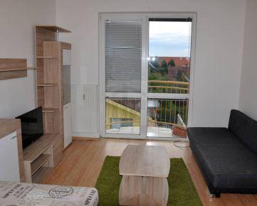 Direct Real - REZERVOVANÉ Veľký 1-izb. zariadený byt-34 m2, s balkónom, veľkou pivnicou a bezproblémovým parkovaním