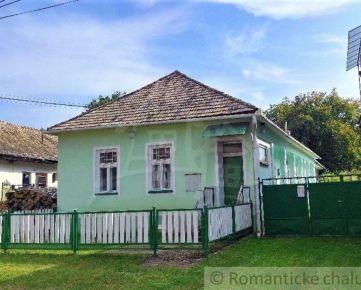 Romantická chalupa s veľkou záhradou v Podrečanoch