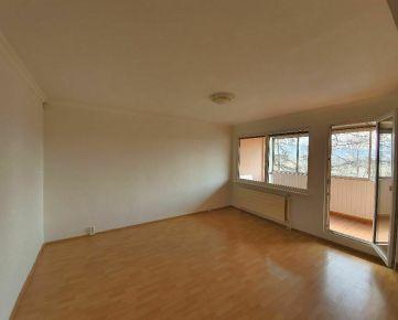 Priestranný 4 izbový byt po čiastočnej rekonštrukcii Prešov- Sekčov