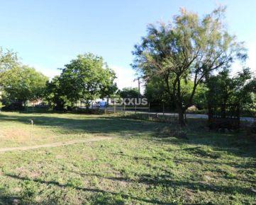 LEXXUS-PREDAJ pozemku, Bratislava IV. - Lamač vo výmere 929 m2