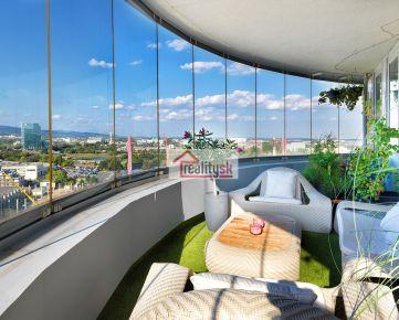 Predam slnečný priestranný 4-izbový byt s terasou