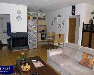 Predaj, 3-izbový byt s balkónom v príjemnom prostredí, 71 m2 + 5 m2 balkón, 1./3, VLASTNÝ KOTOL, NÍZKE MESAČNÉ NÁKLADY, BEZPROBLÉMOVÉ PARKOVANIE