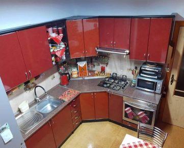 Predaj slnečný, veľkometrážny 3-izbový byt, Galanta