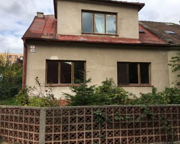Starší rodinný dom v Bratislave III, Nové Mesto, Kramáre, Černicová ul.