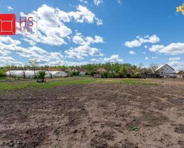 Predaj stavebného pozemku 32 árov v Nesvadoch