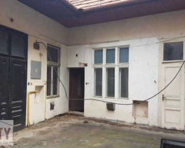 Ponúkame na predaj budovu v centre mesta Nitra (3172)