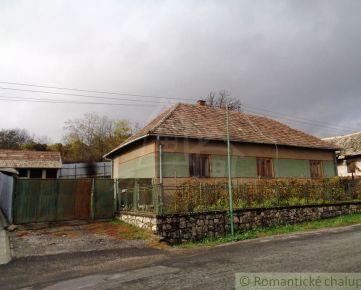 NOVÁ  CENA !Priestranný dom s hospodárskym dvorom v Čebovciach