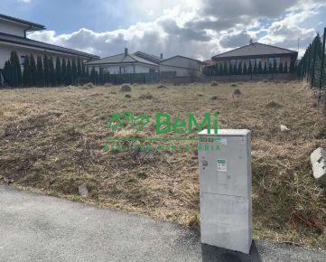 Na predaj pozemok vhodný na výstavbu domu