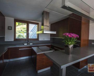 D+V real ponúka na prenájom 5 izbový rodinný dom, Štítova ulica, Devín, Bratislava IV, zariadený, pakrovanie