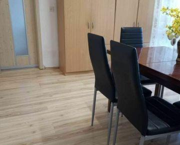 2,5.izbový byt s loggiou a špajzou - sídlisko Sekčov