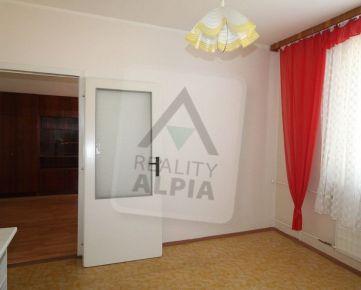 1-izbový byt s balkónom na prenájom, pri centre Komárna