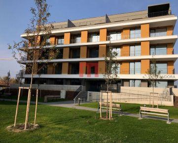 Na prenájom 1 izbový byt s menšou terasou v projekte Nový Ružinov