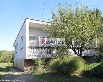 4 izbový rodinný dom s veľkým, slnečným pozemkom 1.564 m2 v Bánovciach