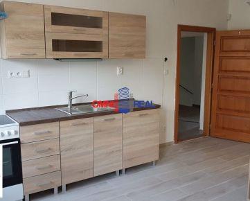 Prenájom garzoniéra, Dunajská ul., 20 m2, 1 posch. - vhodné aj ako kancelársky priestor