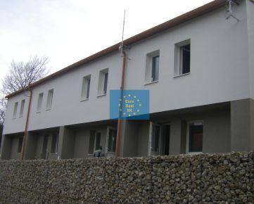 Košice - Jahodná,  predaj nových apartmánov o výmere 104,65 m2,  parkovanie, ( trvalé, rekreačné bývanie ), firemné vlastníctvo