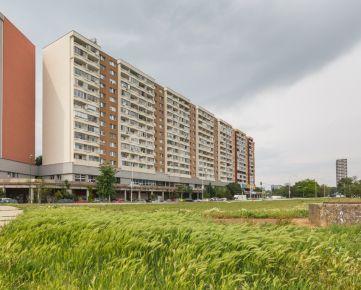 2 i byt (53,44 m2)na Jungmanovej ul. s loggiou a pekným výhľadom, električkou do centra,pôvodný stav