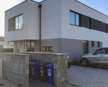 Predaj 4 izb. mezonetu v štandarde so záhradou - skolaudované- 3 parkovacie miesta