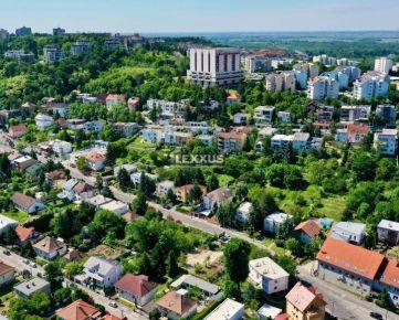 PREDAJ-LEXXUS, atraktívny rovinatý pozemok v prestížnom Horskom parku