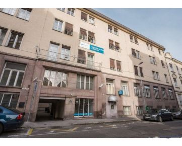 IMPEREAL - Predaj - Apartmán 46,93 m2, 4/5 posch., Staré mesto – Gunduličova ul. -Bratislava I.