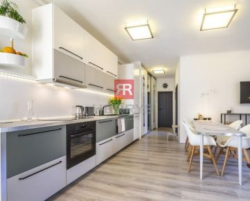 HERRYS - Na prenájom krásne zrekonštruovaný 2 izbový byt v centre Starého Mesta