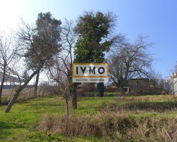 Slnečný pozemok 1312m2 s rodinným domom 250m2, všetky IS, vhodný na investičné účely, Jeséniova ul., BA III - Nové Mesto, lokalita Koliba, kat. územie Vinohrady