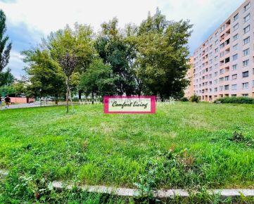 COMFORT LIVING ponúka - Kompletne zrekonštruovaný byt s výhľadom na zeleň na začiatku Petržalky, možnosť ponechania zariadenia aj spotrebičov