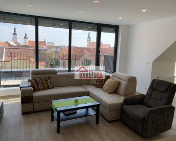 Skvelé pohodlné bývanie s veľkou terasou v samotnom centre Trnavy 3+kk (106 m2)