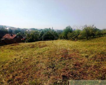 Veľký pozemok s pekným výhľadom Kostolná-Záriečie na predaj