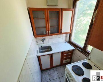 Predáme garsónku s balkónom, Žilina - širšie centrum, R2 SK.