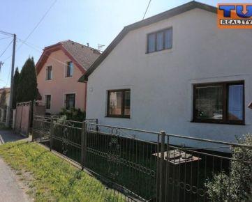 Na predaj rodinný dom v obci Ovčie o celkovej rozlohe 1679 m2. CENA: 52 000,00 EUR