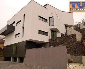 Exkluzívny, 4 izbový mezonet, Pod táborom, 297 m2. CENA: 247 000,00 EUR
