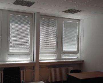 Prenájom 2 - kancelárie 29,6 m2 pri POLUS-e na Pluhovej ul. s možnosťou lacného parkovania