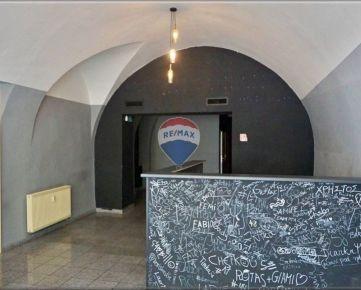 prenájom pub a kaviareň 77 m2