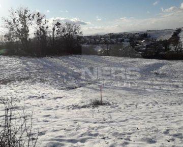 Exkluzívne ponúkame na predaj  pozemok na ul.Brestovská / hranica Humenné a Brestov/