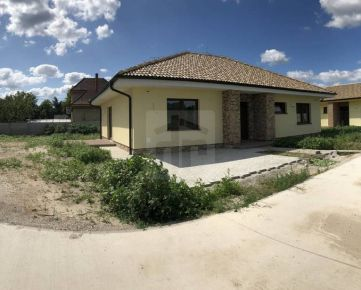 Direct Real - REZERVOVANÉ Rodinný dom v obci Báč