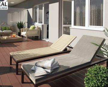 NA PREDAJ: Bývajte v novom byte s výbornou polohou! Na predaj je slnečný 3 izbový byt s veľkou lodžiou a šatníkom v centre mesta !