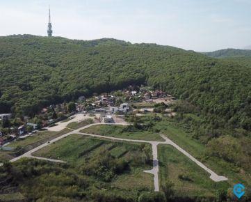 Stavebné pozemky pod bratislavským lesoparkom - Projekt Ahoj Briežky - rožný pozemok č. 17 – 803m2