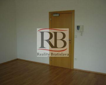 Kancelária pri Miletičke, 2x21 m2