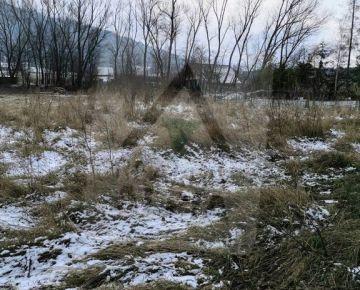 Slnečný stavebný pozemok na predaj /910 m2/, Žilina - Krásňany