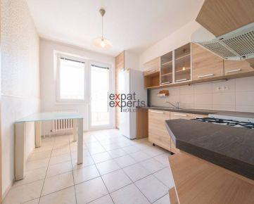 Slnečný, čiastočne zariadený 3 - izbový byt, Karlova Ves - Dlhé diely