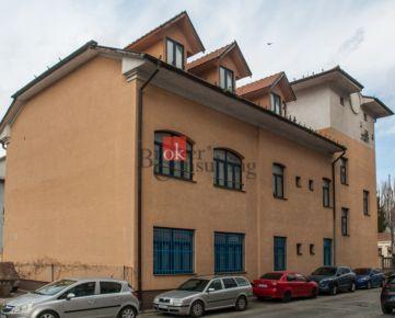 Administratívna budova Bratislava Petržalka na predaj, s príslušenstvom a pozemkom