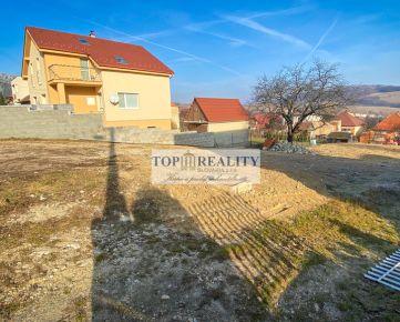 Predaj pekného stavebného pozemku 765m v obci Skýcov, okres Zlaté Moravce