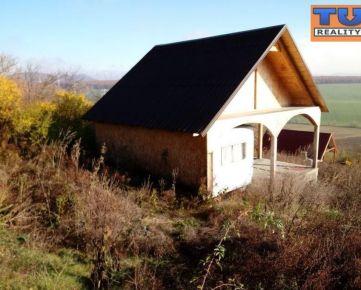 REZERVOVANE!!! Na predaj záhradná chatka aj s pozemkom o výmere 400 m2, v záhradkárskej osade Drieňová-Šípkové.. CENA: 10 000,00 EUR