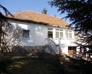 Na predaj rodinný dom, chalupa,  pozemok 3400m2 v obci Dedinka, okres Nové Zámky