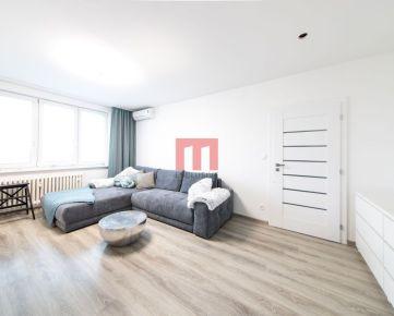 REZERVOVANÉ - Na predaj kompletne zrekonštruovaný a zariadený 2 izbový byt s pekným výhľadom na Herlianskej ulici v Ružinove